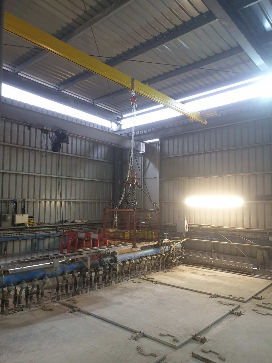 Underhung Light Crane System